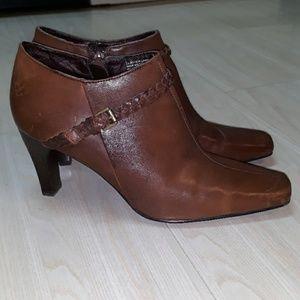 Style & Co. Leather heel brown booties sz 7.5